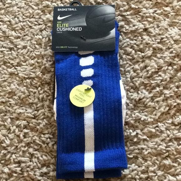 Nike Accessories - Nike Elite Basketball Socks Women Youth Crew NWT S
